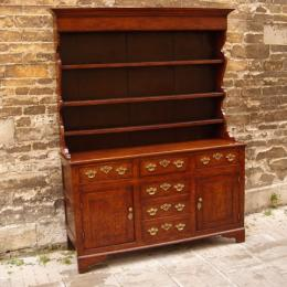 18th/19th Century Oak Dresser And Rack