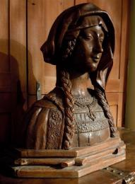 A Late 15th Century Oak Bust Of A Lady