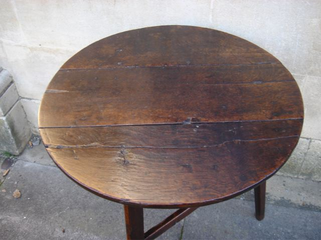 A Late 18th Century Oak Cricket Table