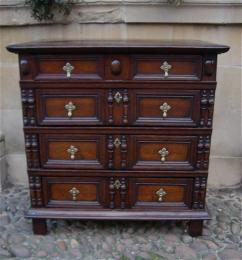 A Small Well Proportioned Late 17th Century Oak Chest Of Drawers