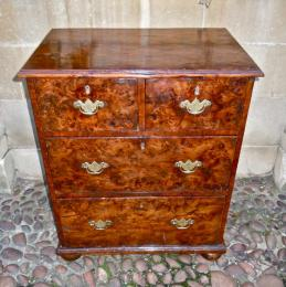 A Superb Early 18th Century Burr Yew Wood Chest Of Drawers