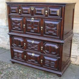 A Superb Mid To Late 17th Century Oak Chest Of Drawers