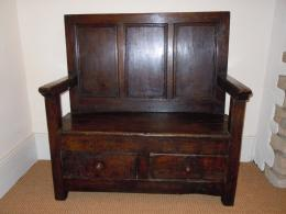 An Early To Mid 18th Century Small Oak & Chestnut Settle