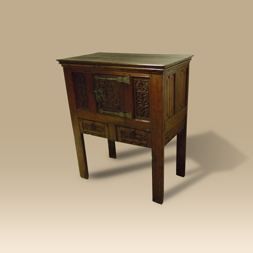 Oak Dressoir. Circa 1500